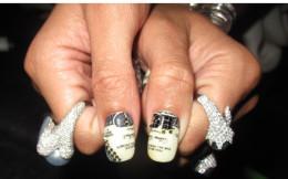 Rihanna's Minx'ed Manicure