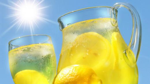 Freshly Cut Lemons Is The Secret To Great Lemonade