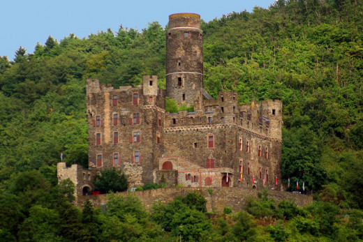 Maus Castle over the Rhine