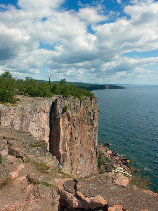 Palisades head on Lake Superior