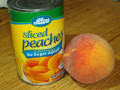 Both fresh and canned peaches are gluten free.