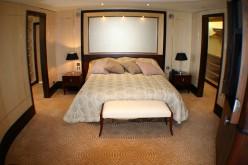 Grand Duplex Upstairs Bedroom Queen Mary 2 Cat Q1