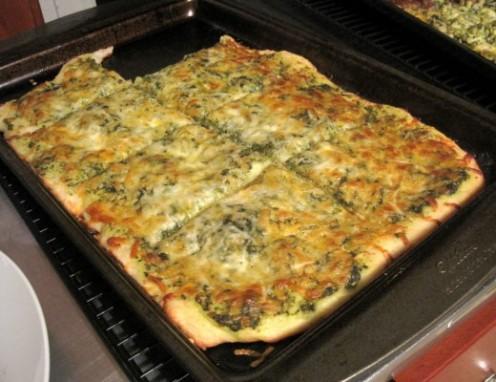 Pesto mozzarella pizza.  Recipe below.