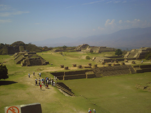 View from Building D looking southwest over the Sunken Patio towards System IV, Temple of the Dancers, and System M.