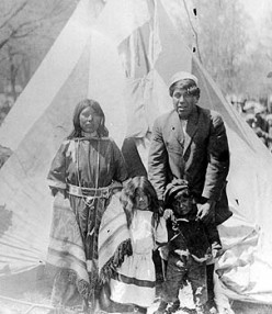 A Shoshone family in Logan in 1909.