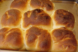 Use Muffin Tins for easy to make Rolls