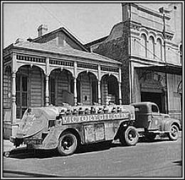 """A """"Victory Oil"""" semi-trailer truck from 1943"""