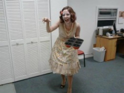 Halloween Costume Idea: Zombie Fifties Housewife Costume