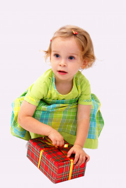 Best Birthday and Christmas Gift Ideas for a One Year Old Girl