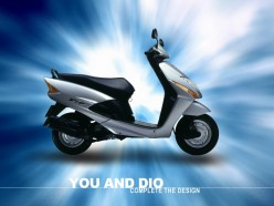 This modest-looking scoot is the 144 m.p.g. Honda Dio ... in all of it's gas-sipping glory.