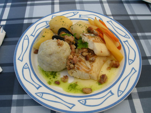 Norwegian (Bokmål) ‬: Mixed Ball, boiled dried fish, carrot, turnip, bacon, mussels - Kristiansund