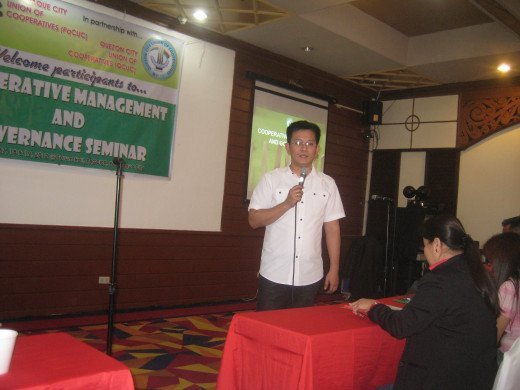 The seasoned lecturer, Sir Eduardo 'Boyet' Dolor of Quezon City Union of Cooperatives