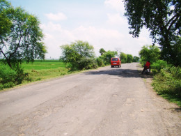 The metaled road from Kaichar to Kshirgram