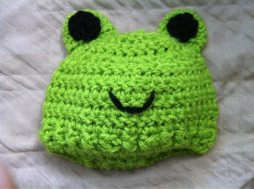 Made this frog hat for my cousin's baby. :)
