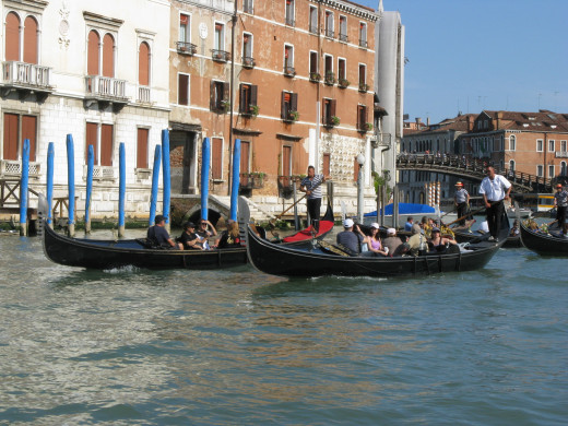 Gondoliers on the canal.