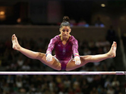 Alexandra Raisman on Uneven bars.