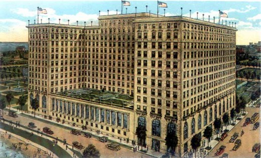 1920s postcard of The Drake Hotel overlooking Michigan Avenue and Oak Street Beach.