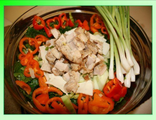 Combines the best of salad bowl and rice bowl for a filling and healthy meal.