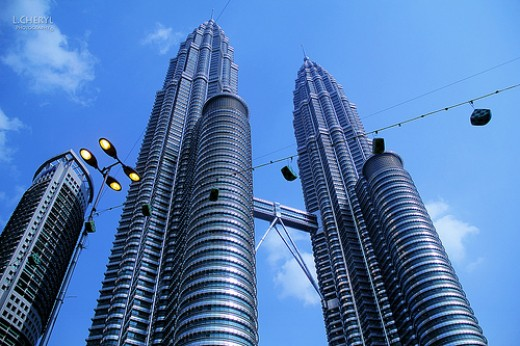 The metallic 88 storey twin towers is the icon of KL