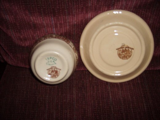 Western Traveler sauce bowl and saucer showing marks on the bottom