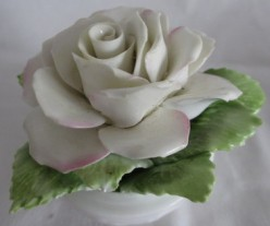 Bone China Bouquet: Delicate and Romantic