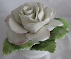 Bone China Bouquet: Delicate and Romantic