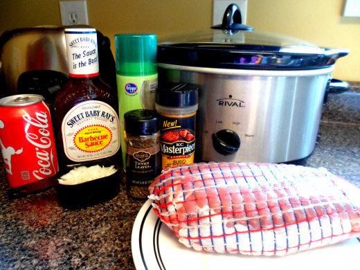 The ingredients to make crockpot pulled pork.