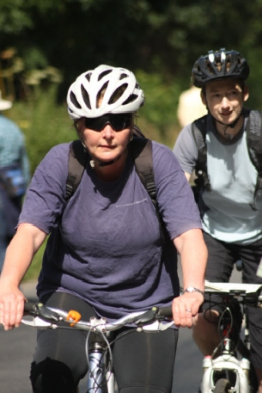 Can regular cycling exercise help with osteoarthritis symptoms?