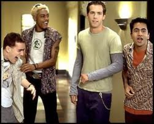 Van Wilder is as R rated and unrated as it gets. Wilder has been in college partying but not advancing. Time to party hard with a ten year college veteran.