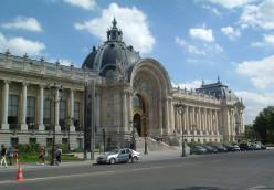Le Petit Palais - just a little pad down by the river!