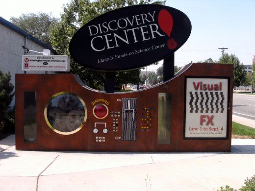 Entrance to the Discovery Center