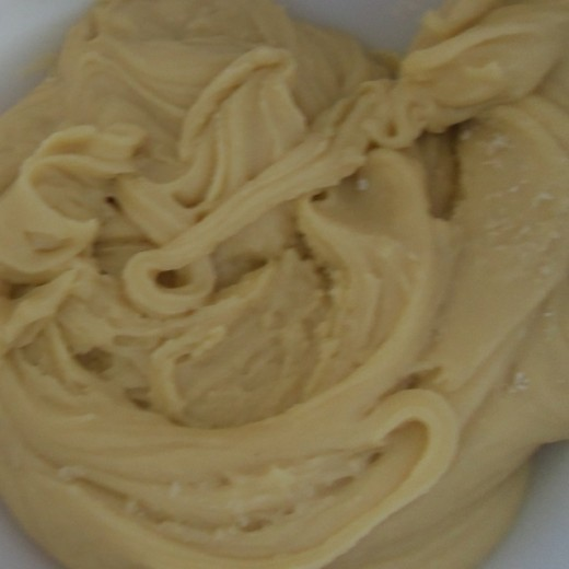 maple syrup buttercream frosting - very simple to make