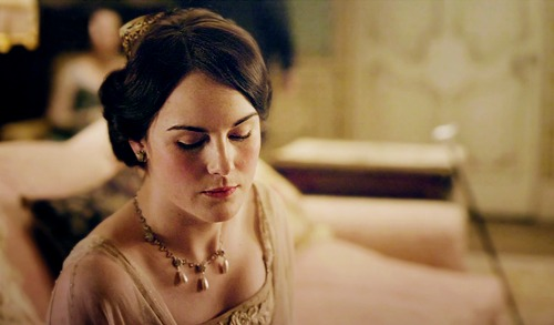 Lady Mary Crawley and her Perfect Eybrows