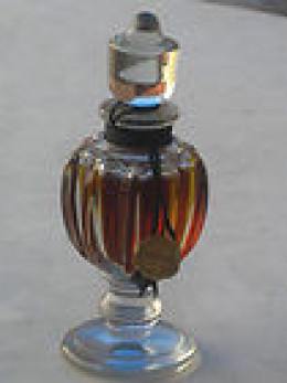 French best-selling perfumes, old perfumes have great bottles