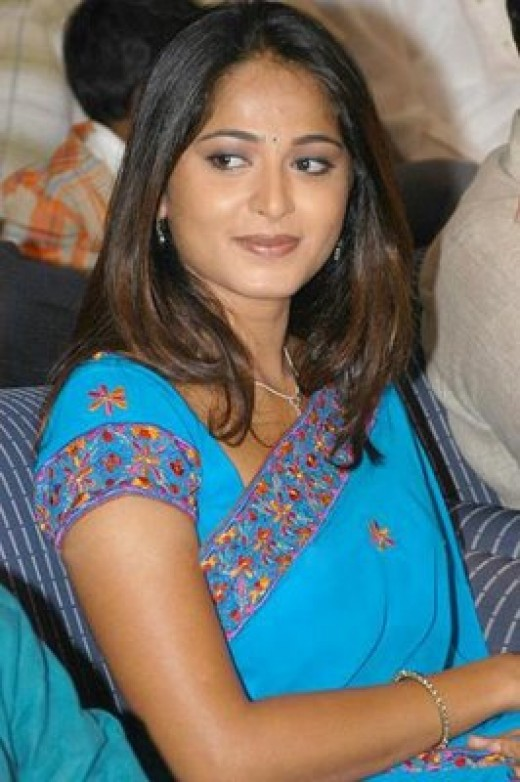 Tollywood Actress Anushka Pictures
