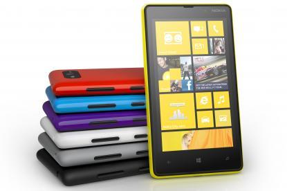 Windows Phone 8 Nokia Lumia 820