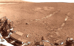 Early tracks of Curiosity Rover - taken from rover
