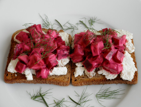 Goat Cheese Bruschetta with Beetroot & Yogurt Salad
