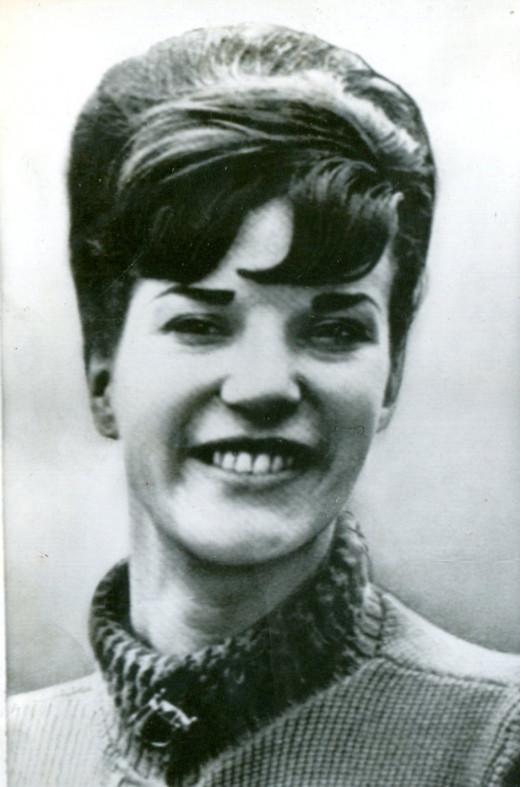 Pamela Clews