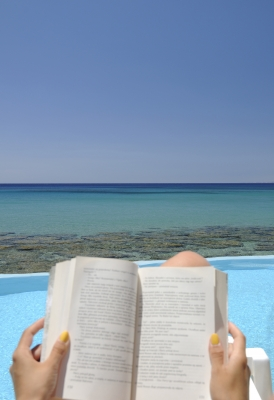 Reading outdoors is achievable as long as you are focused enough. [Image courtesy:Michal Marcol]