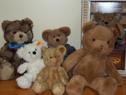Can you tell which bears are Steiff and which are not?