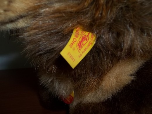 Newer ear tag - Note no slash or dot between numbers.