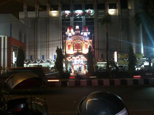 Malang, near the City Square,  at night