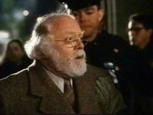 Miracle on 34th Street is one of the most well known Christmas films ever made. It's a family treat and has been for decades.