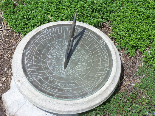 A sundial reflecting the current time