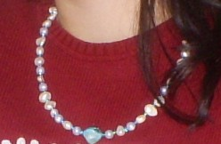 Make A Necklace With Blue And White Beads