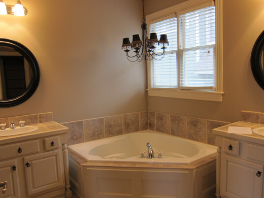 'Before' picture of this master bathroom.