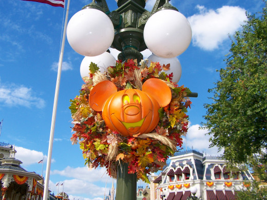 Mickey's Not So Scary Halloween Party décor
