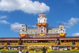 Magic Kingdom train station ready for Halloween.