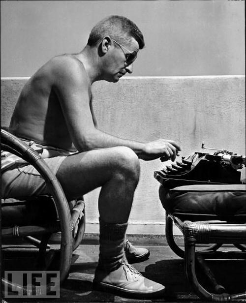 Writer William Faulkner 1943 with his typwriter